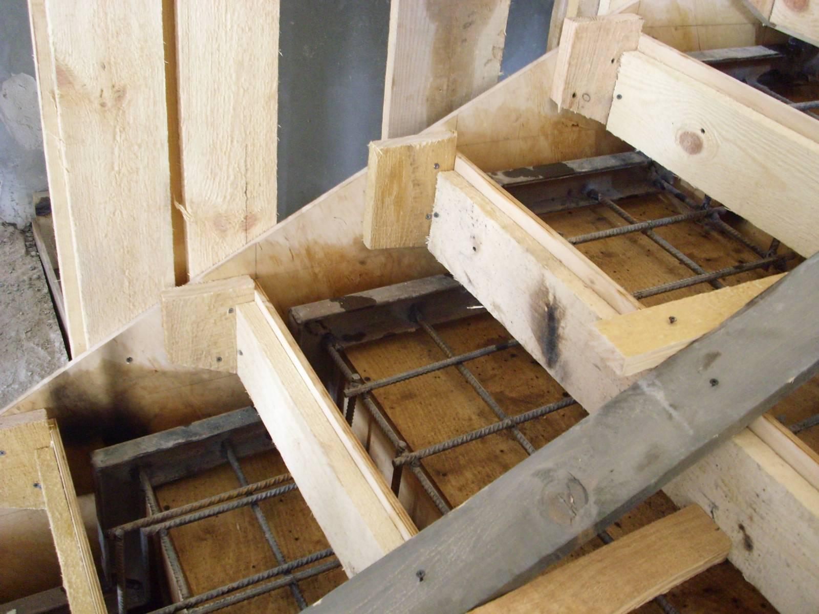 Как сделать опалубку бетонных лестниц 481